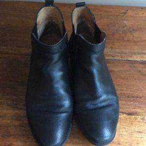 Sofft black Demi boots